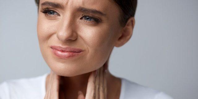 12 причин чому вам боляче ковтати