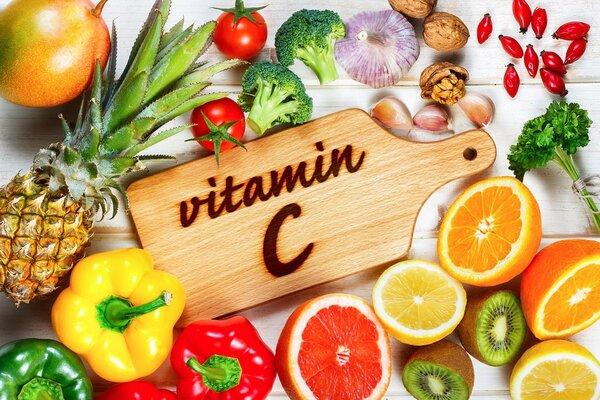 Що потрібно знати про вітамін C