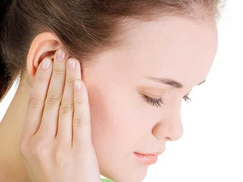 7 причин, чому болить ваше вухо