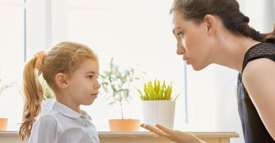 7 ознак, що дитина тобою маніпулює (а ти й не помічаєш)