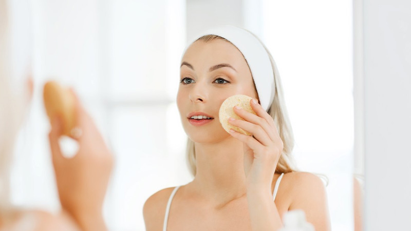 Карантин і шкіра: як не переборщити з доглядом і «зберегти обличчя»
