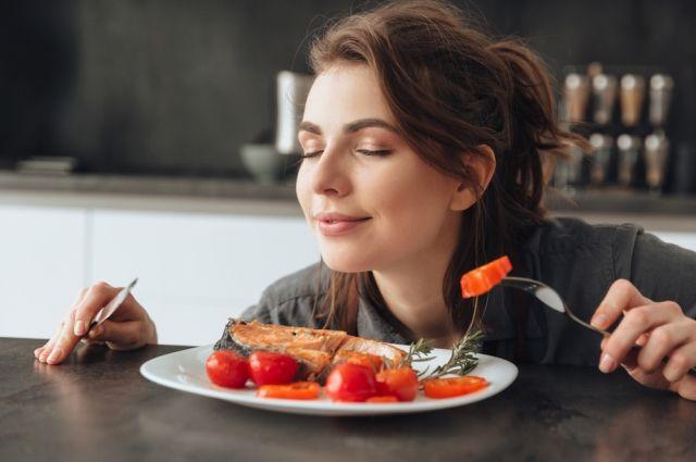 Чим заїсти сум: продукти, які можна (і потрібно) їсти при стресі