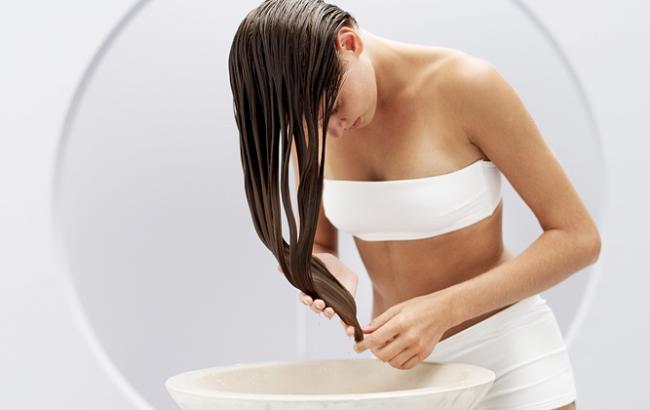 Є питання: кому і навіщо варто мити волосся перед стрижкою або фарбуванням