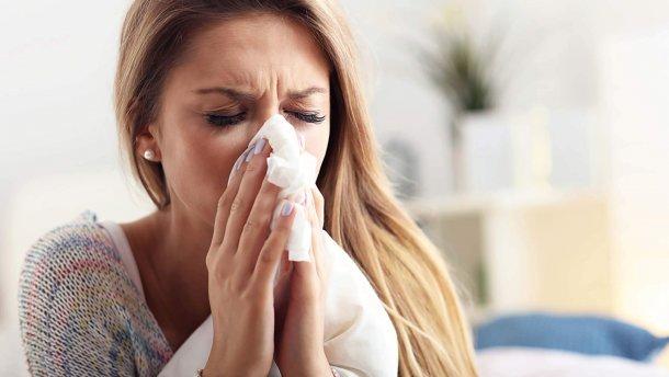 Не тільки застуда: важливі причини нежиті у дорослих і дітей