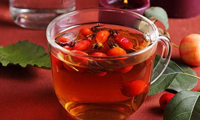 Чим корисна заварена шипшина: 10 причин пити її замість звичайного чаю