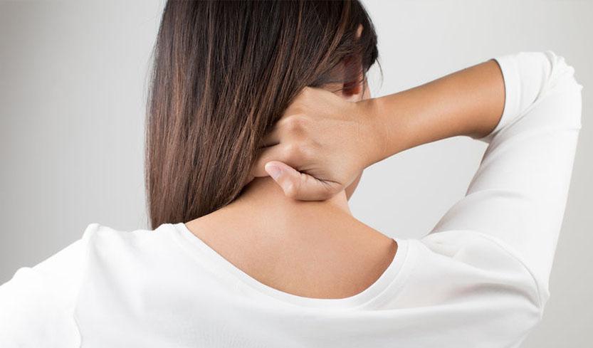 Під вагою образ: емоції, від яких може боліти шия