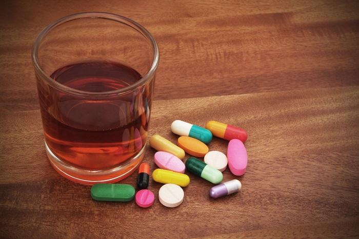 Антибіотики і алкоголь: сумісність (правила поєднання і можливі ризики)
